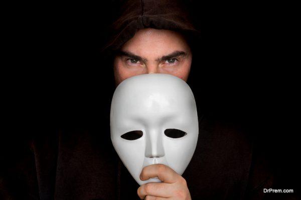 detecting fake online photos