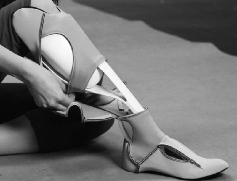 Prosthetic leg for women undergoes makeover to become fashion accessory