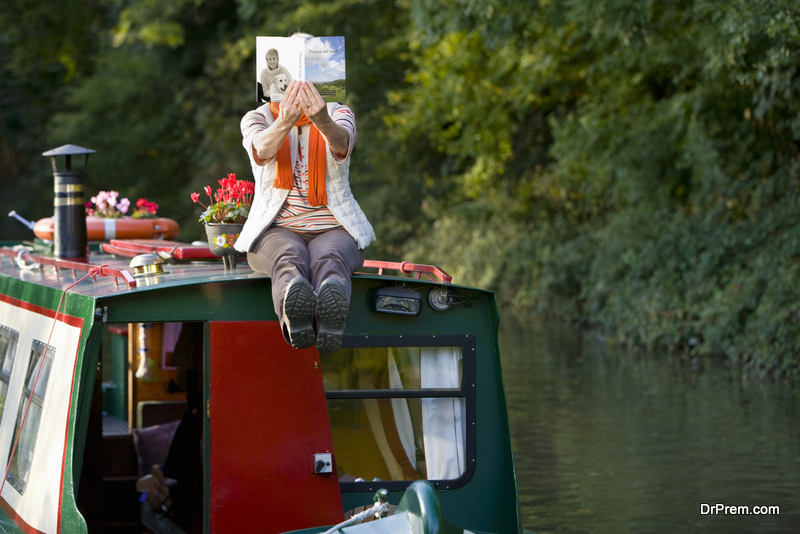 Living-On-A-Boat-