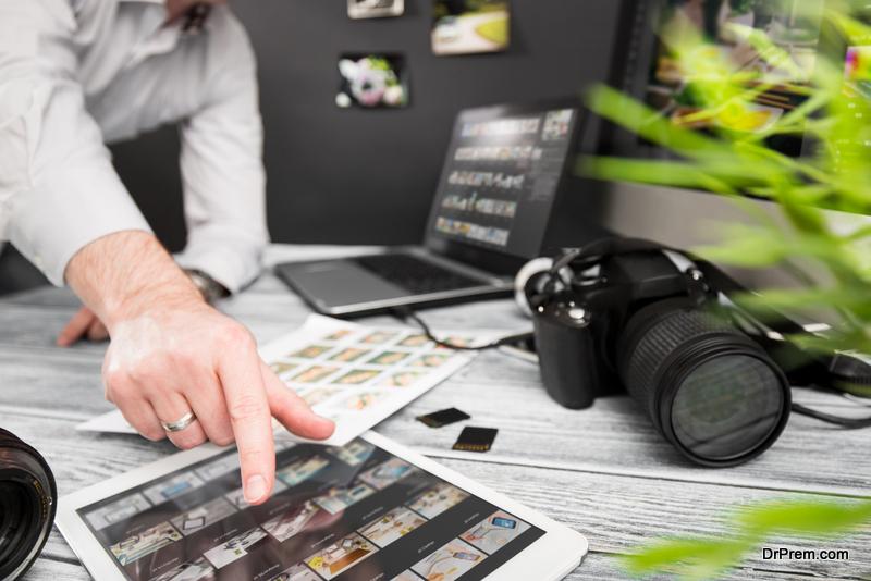Hire A Professional Headshot Photographer