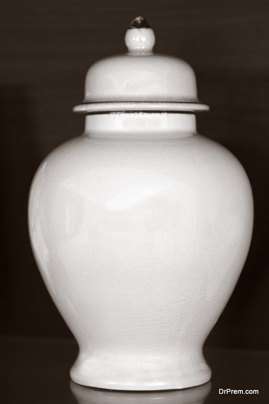 material of the urn