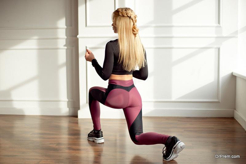 woman-wearing-Great-leggings