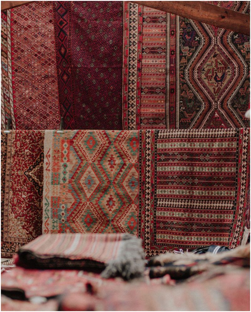 purchasing an antique rug